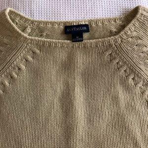 Ann Taylor 💯% Cashmere Sweater